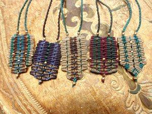 Macramé net pendants